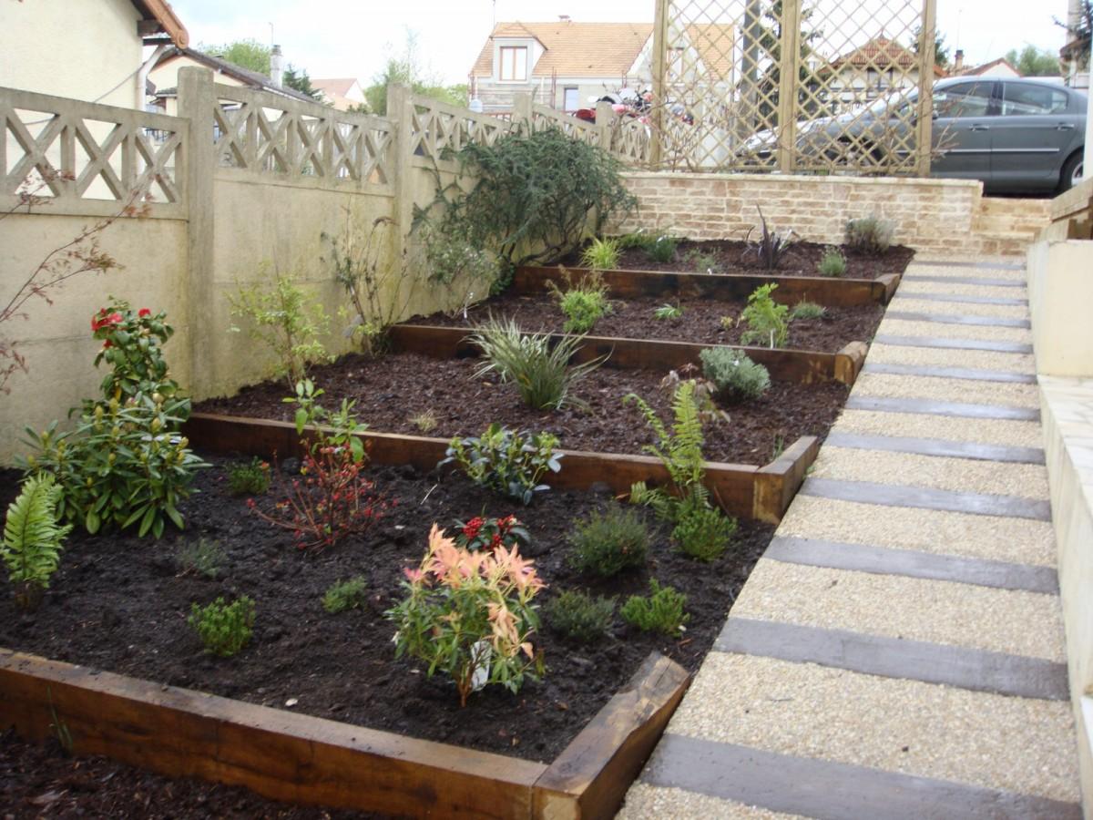 Les trois bois de chenes entretien jardins montmorency for Entretien jardin 41
